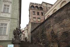 017 Pohled na Radnické schody a klášter z Nerudovy ulice